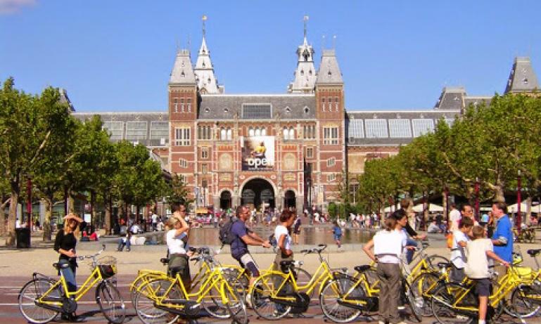 Amsterdam - Big City Bike Tour
